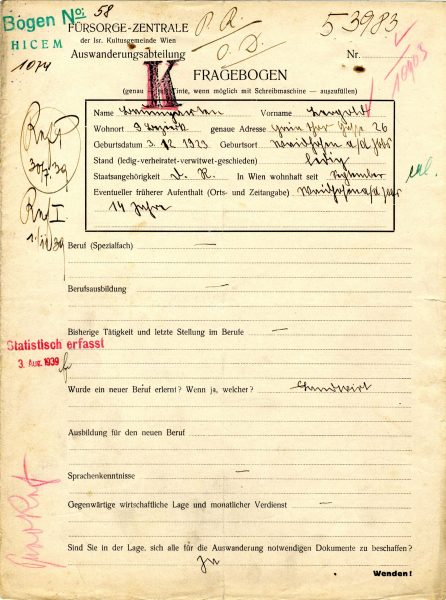 This emigration questionnaire reveals, among other things, Baumgarten's exact date of birth - December 3, 1923