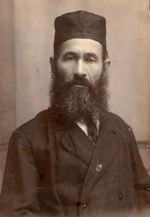 הירש שלמה פינקל, אביו של אורי, שהיה השוחט של רקוב. 1936