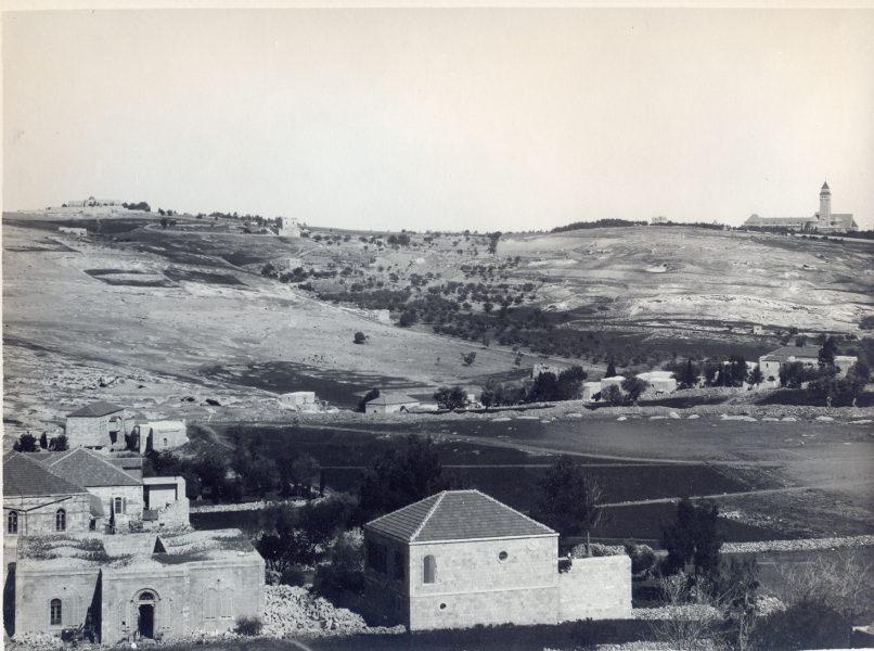 מבט על האוניברסיטה העברית ואוגוסטה ויקטוריה בהר הצופים, שנת 1925