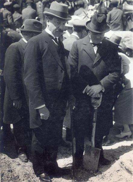 צ'רצ'יל נוטע עץ דקל בהר הצופים, 29 במרץ 1921
