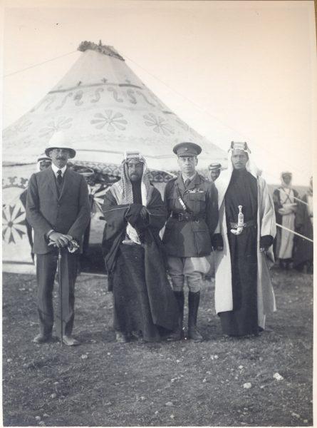 סמואל נפגש בעבר-הירדן עם האמיר עבדאללה ו-וינדהם דידס, אפריל 1921