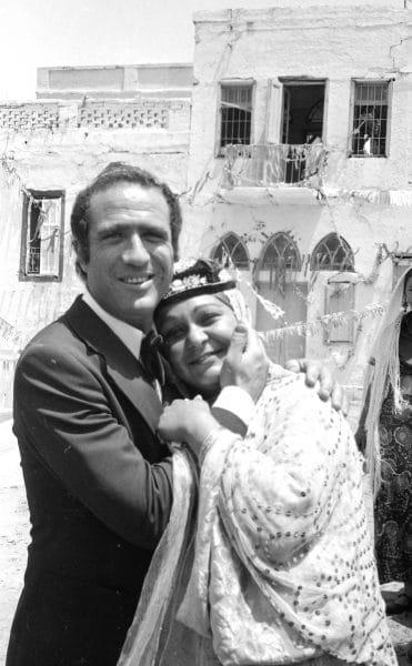 יהורם גאון עם אתי גרוטס, בצילומים לקזבלן, 1973. צילום: אוסף דן הדני