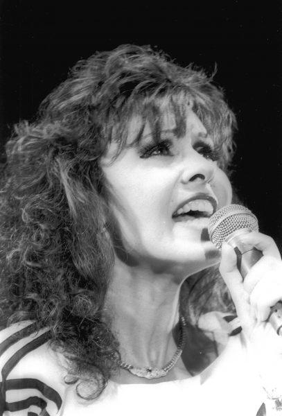 ירדנה ארזי, 1987. צילום: ישראל סימיונסקי