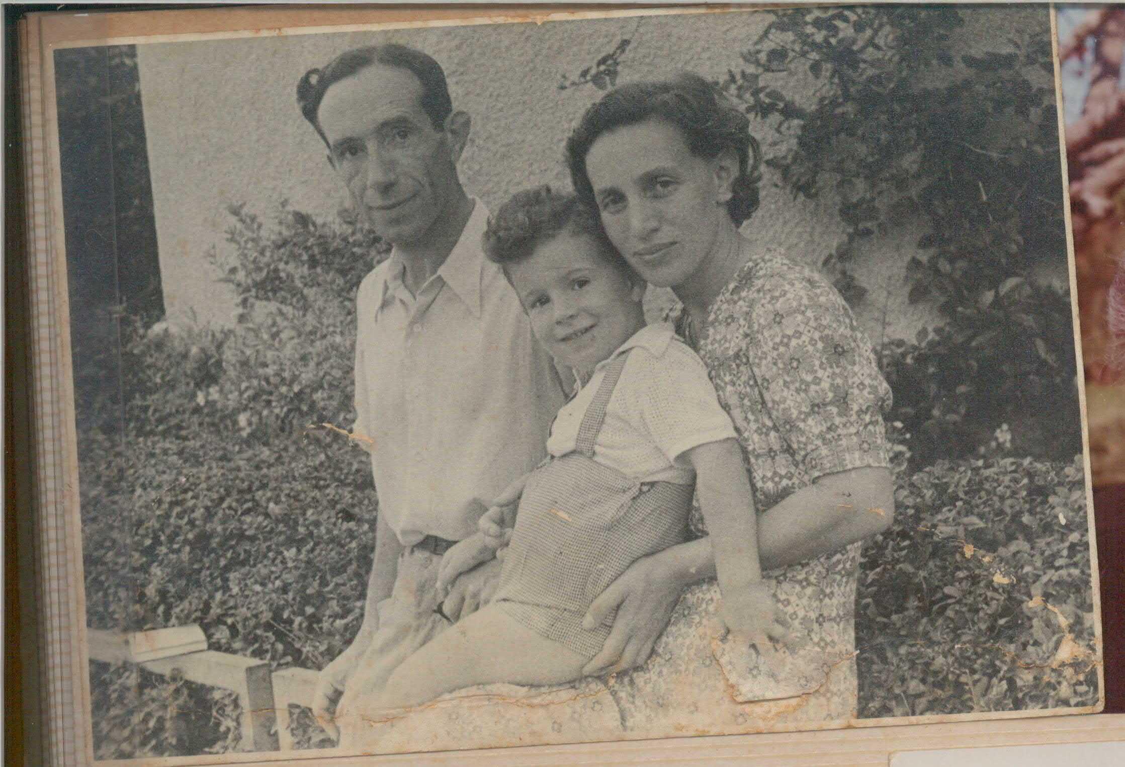 בן רבינוביץ' והוריו