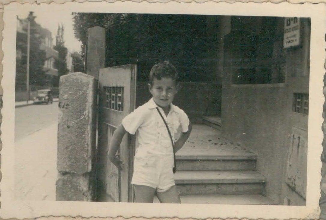 בן רבינוביץ' בילדותו
