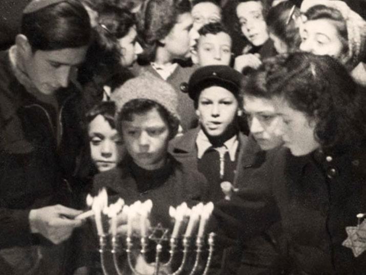 חנוכה בשואה. צילום: יד ושם