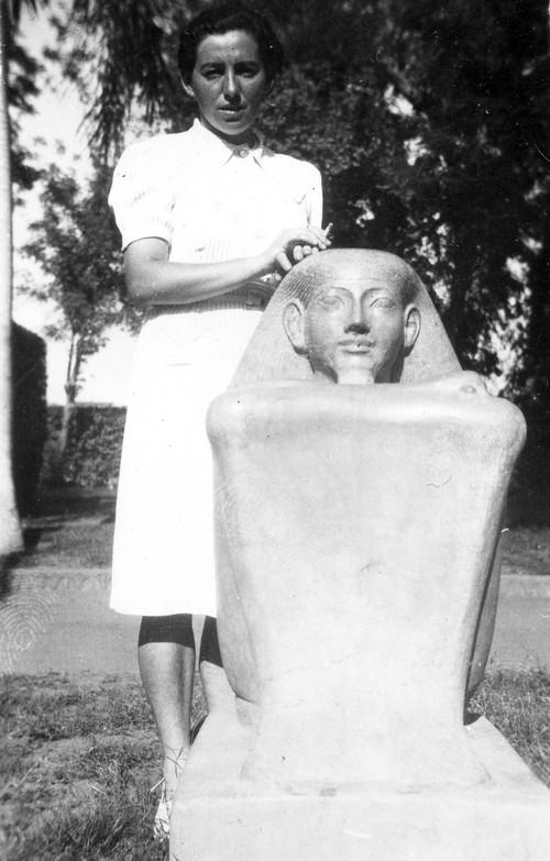 Haviva Reik in Egypt, 1944. Photo: Rafael Reiss, the Bitmuna Collection.