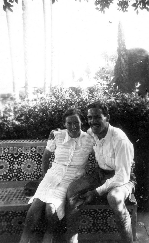 Haviva Reik and Zvi Ben Yaakov in Egypt, 1944. Photo: Rafael Reiss, the Bitmuna Collection.