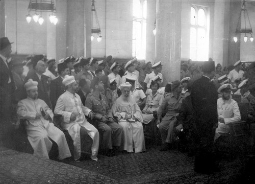 At the synagogue in Alexandria on VE Day, May 8, 1945. Photograph: Rudy Goldstein, the Bitmuna Collection.
