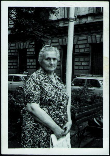 JUDIT KINSZKI'S MOTHER ILONA KINSZKI died in 83