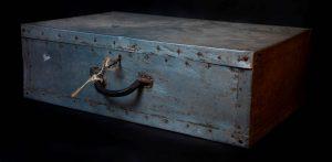 מזוודתו המיוחדת של אברהם סוצקבר (תמונה: אוסף גטו וילנה, הספרייה הלאומית). לחצו על מנת להגדיל
