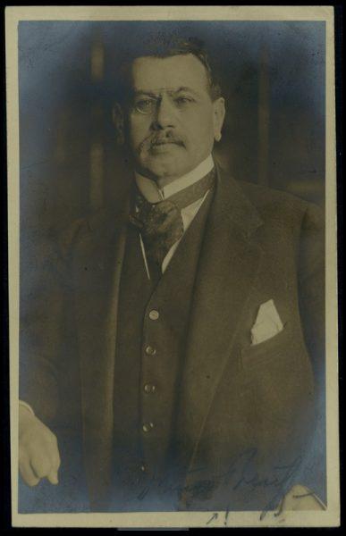 הוגו פרויס. התמונה לקוחה מאוסף הפורטרטים של שבדרון השמור בספרייה הלאומית.