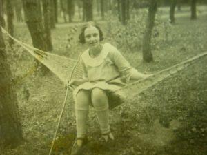 לאה גולדברג בנערותה בליטא