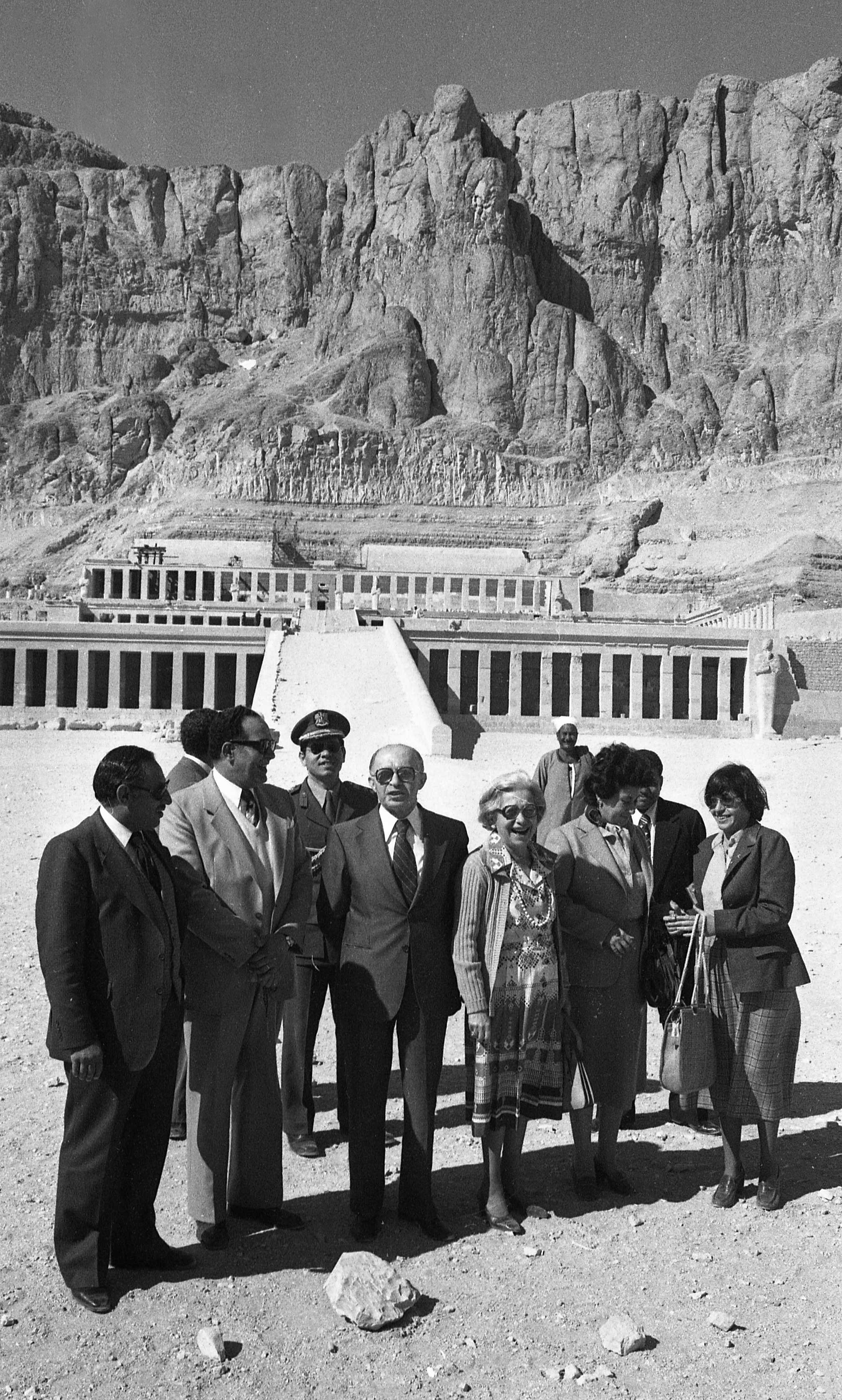 PM Menahem Begin in Egypt to discuss the Peace Process between Egypt and Israel. Photo shows: Visiting Abu Simbel 1980/01/06 Copyright © IPPA 11597-012-07 Photo by [010] Hadani Dan