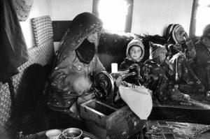 A Jewish woman working. Yemen, 1986, photo by Myriam Tangi.