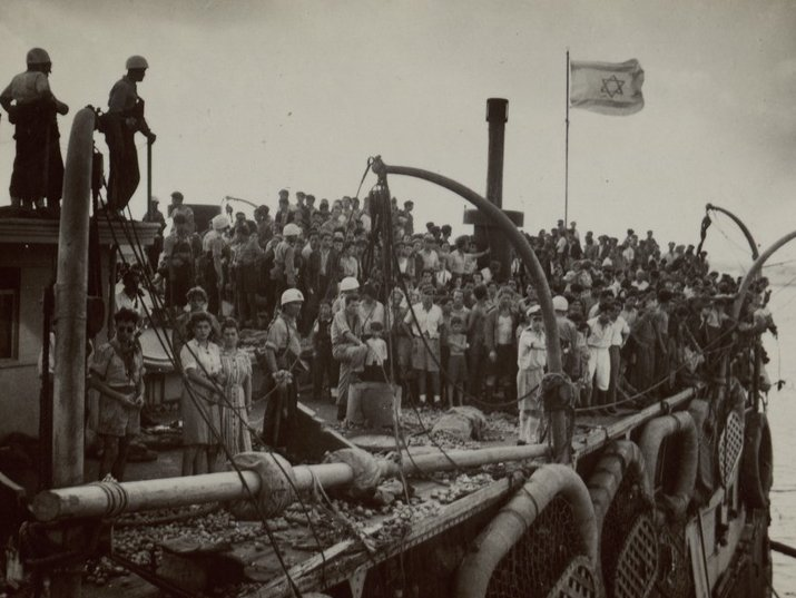Arrival of the Exodus, 1947, Photo: Keren HaYesod, from the National Library of Israel Photograph Collections