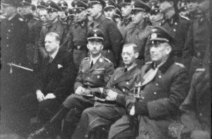 כיתוב תמונה: משמאל לימין: וידקון קוויזלינג, היינריך הימלר, רייכסקומיסר יוזף טרבובן והגנרל פון פלקנהורסט בנורווגיה, 1941. תמונה: הארכיון הפדרלי הגרמני