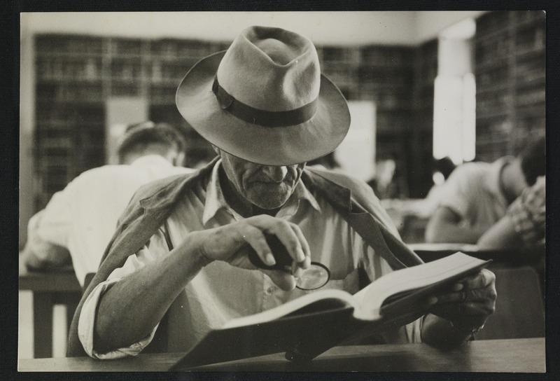 אולם הקריאה בבניין טרה סנטה, 1959. צילום: דוד חריס. לחצו להגדלה