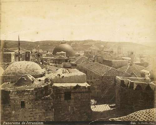 מבט לעבר הרובע הנוצרי מכיוון מצודת דוד. צילום: לואיג'י פיורילו, בערך 1875