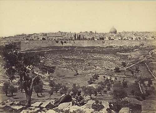 תצפית אל ירושלים מהר הזיתים. צילום: פרנק מייסון גוד, 1875