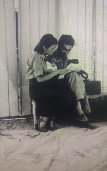 חיים חפר ונעמי פולני בתקופת הצ'יזבטרון (1948-1950), צלם לא ידוע