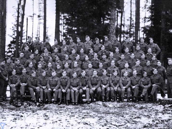 חיילים ארצישראליים בשבי הנאצים