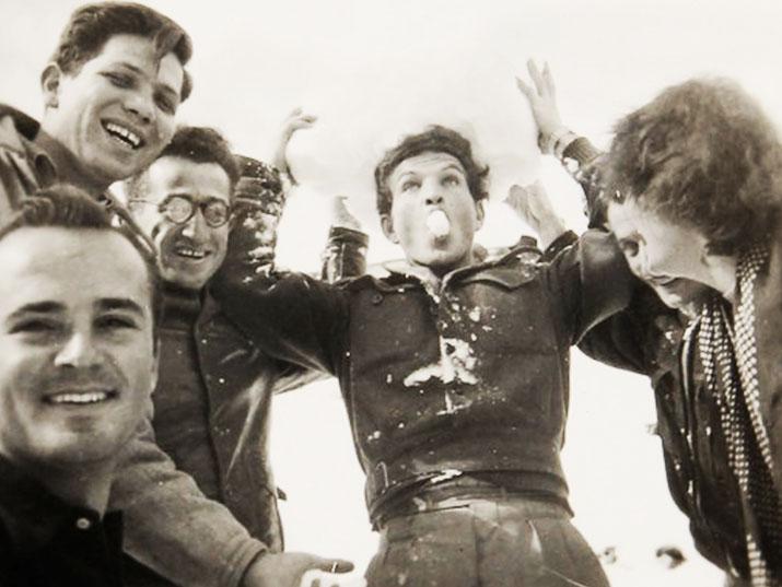 """עוד לפני צה""""ל: הכירו את הצ'יזבטרון – הלהקה הצבאית הראשונה"""